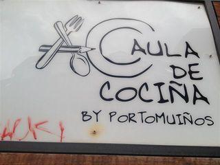 Aula de Cocina de Portomuiños. Cartel expuesto a la entrada