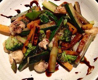 Verduras salteadas con reducción de balsámico